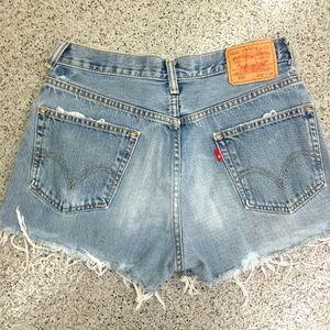 Vintage Levi's cut off jean shorts size 6